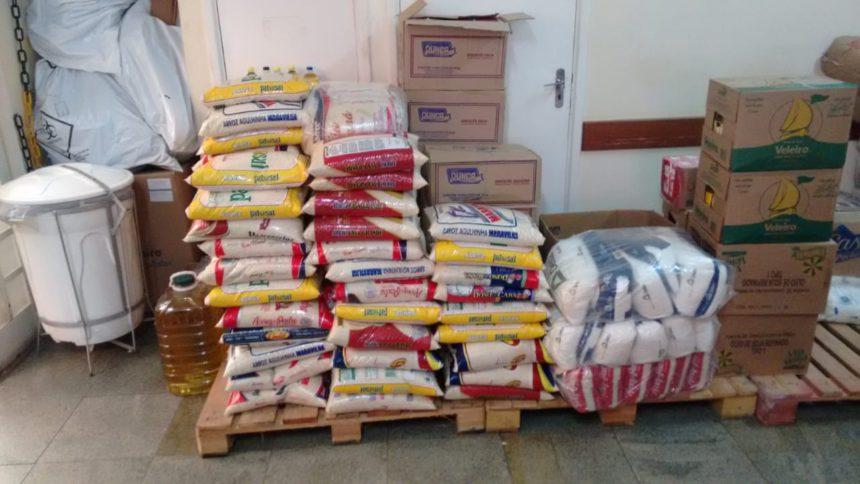 Água Comprida entrega doação de 955 quilos de alimento aos pacientes