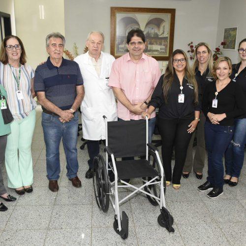 Hélio Angotti Recebe doação de Cadeira de Rodas pela Unimed