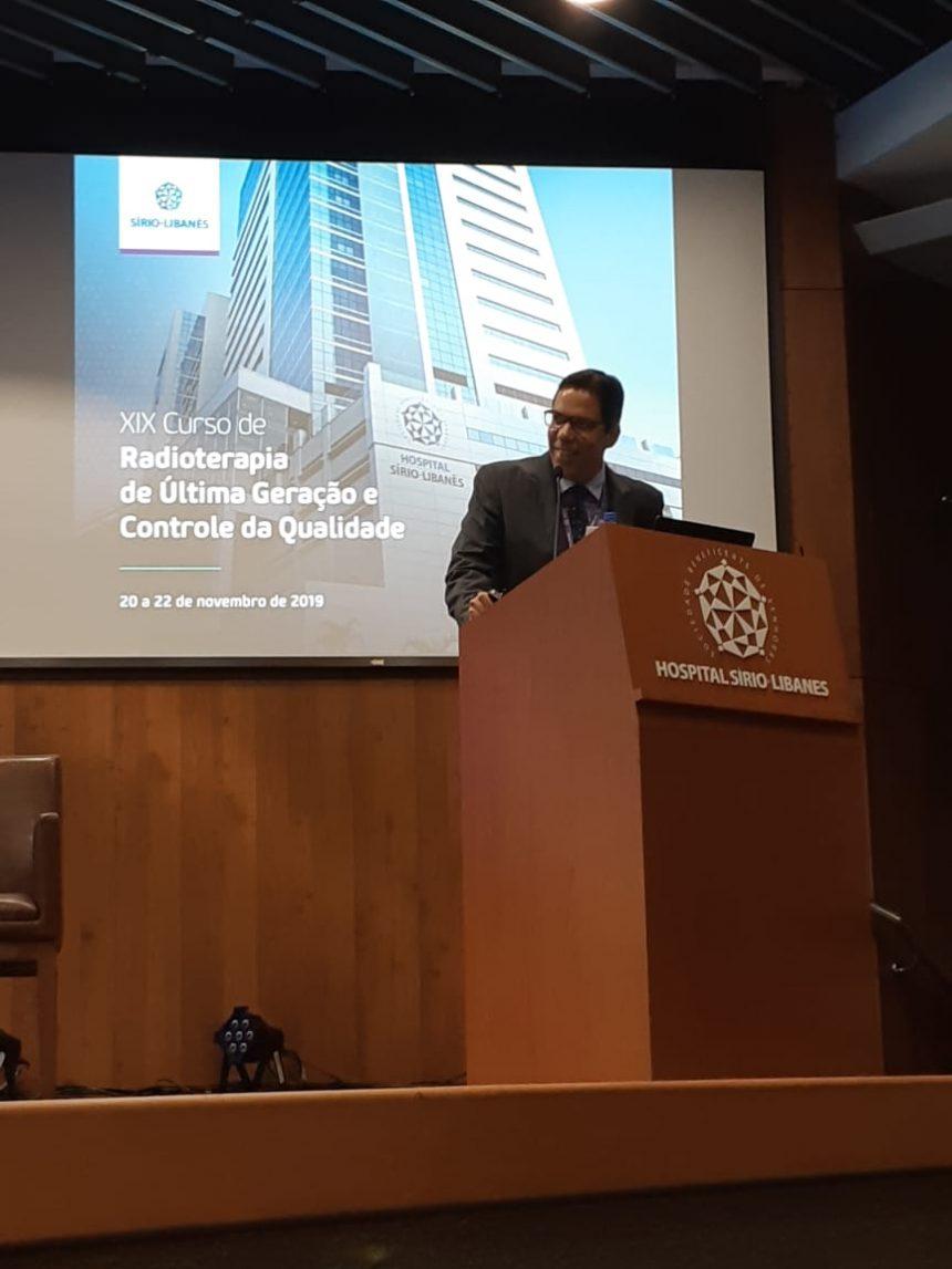 Radioterapeuta do HHA Participa de Evento Internacional no Sírio-Libanês