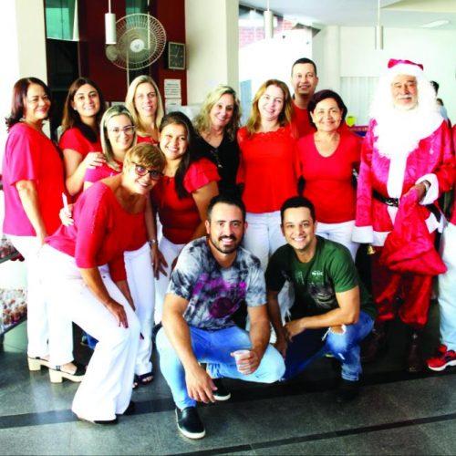 "Jornal de Uberaba: ""Encanto de Natal"" emociona a manhã de segunda no Hélio"
