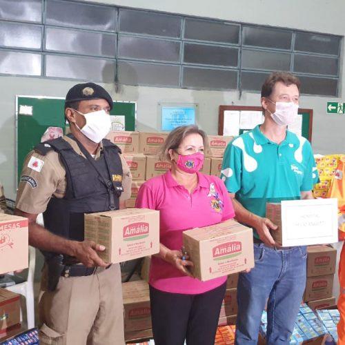 AÇÃO SOLIDÁRIA DO LIONS EM PARCERIA COM A PM E CORPO DE BOMBEIROS